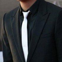 Fehér slim, vékony nyakkendő